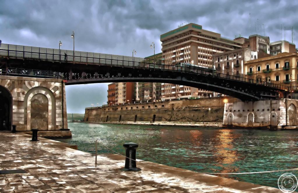 ponte girevole taranto hdr  Il ponte misura attualmente