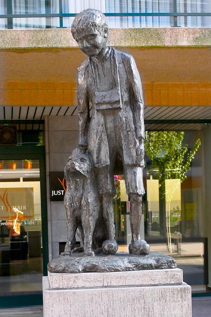 Nello  Patrasche Statue  Hoboken Antwerp Amsterdam