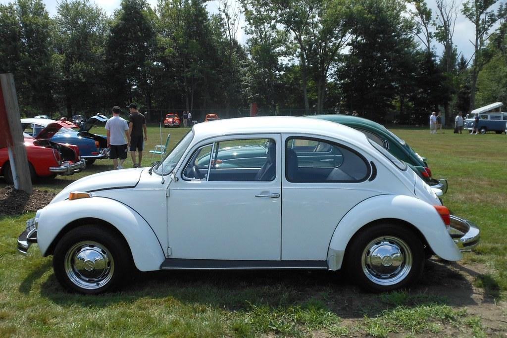 1974 VW Super Beetle  Nineteen seventyfour witnessed a ris  Flickr