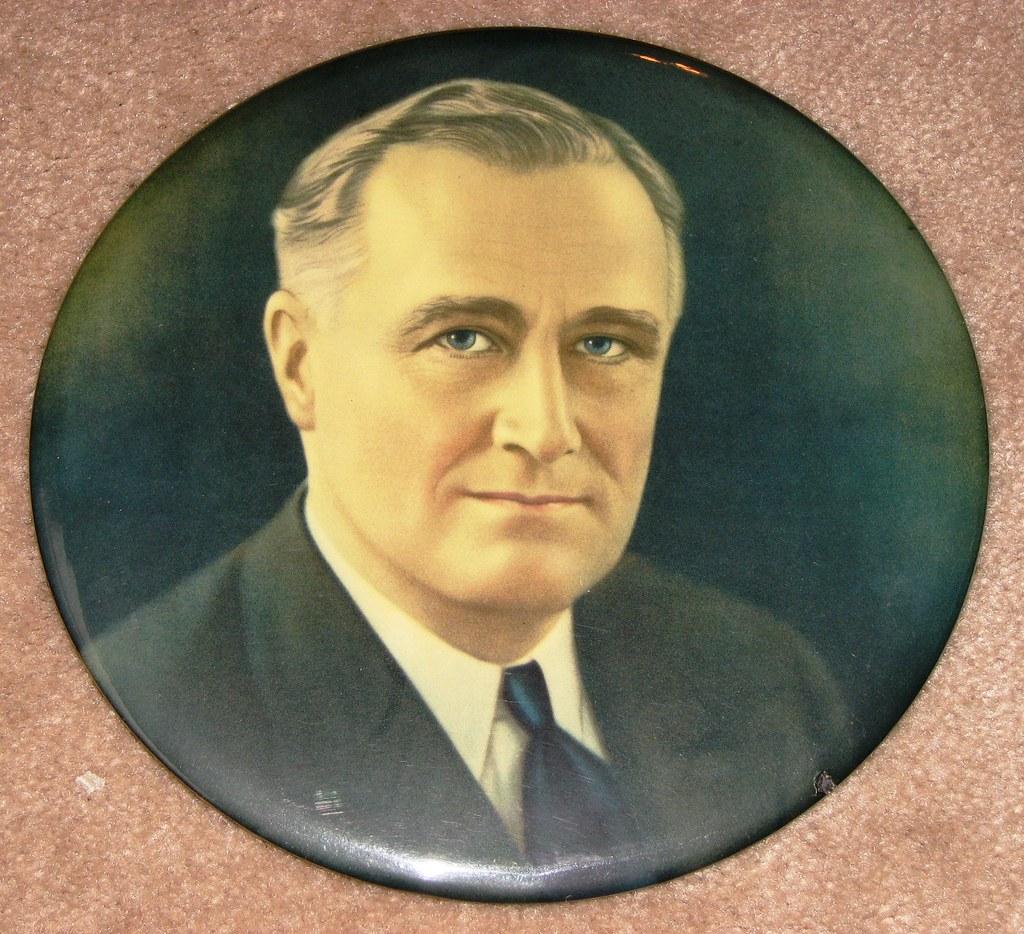 Vintage FDR Roosevelt Portrait by Philadelphia Badge Co