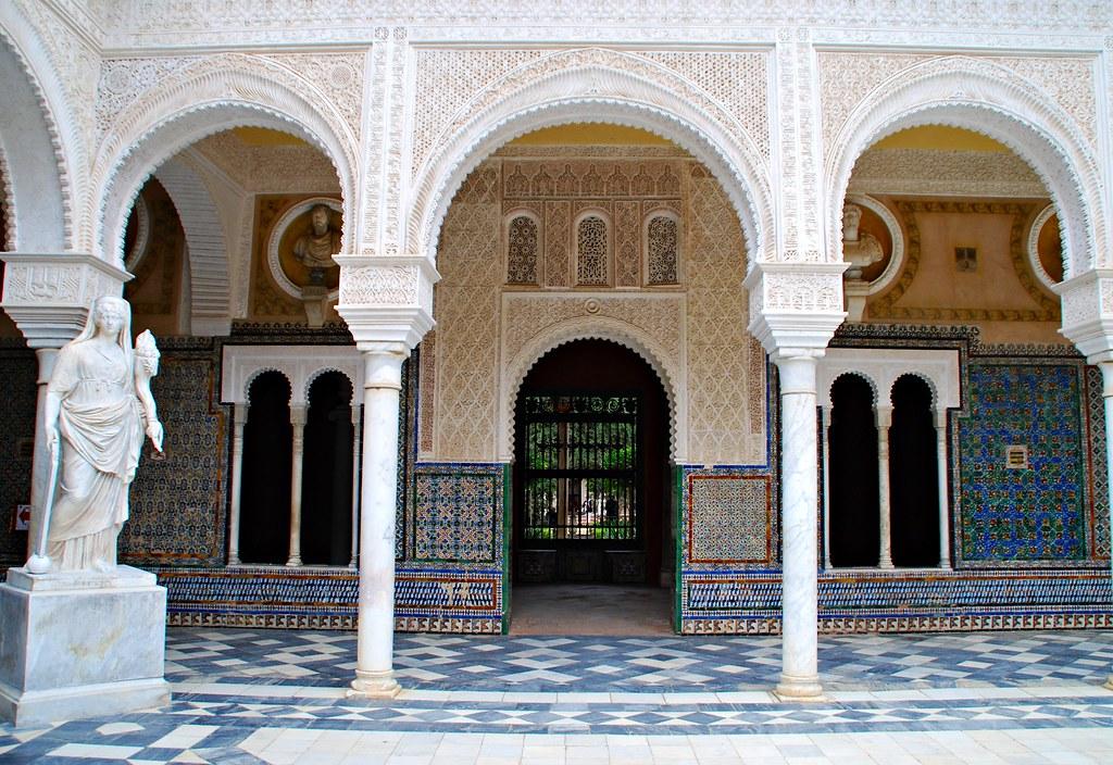 Puerta Ventanas Arcos Columnas y Estatua Casa Pilatos Sevi  Flickr