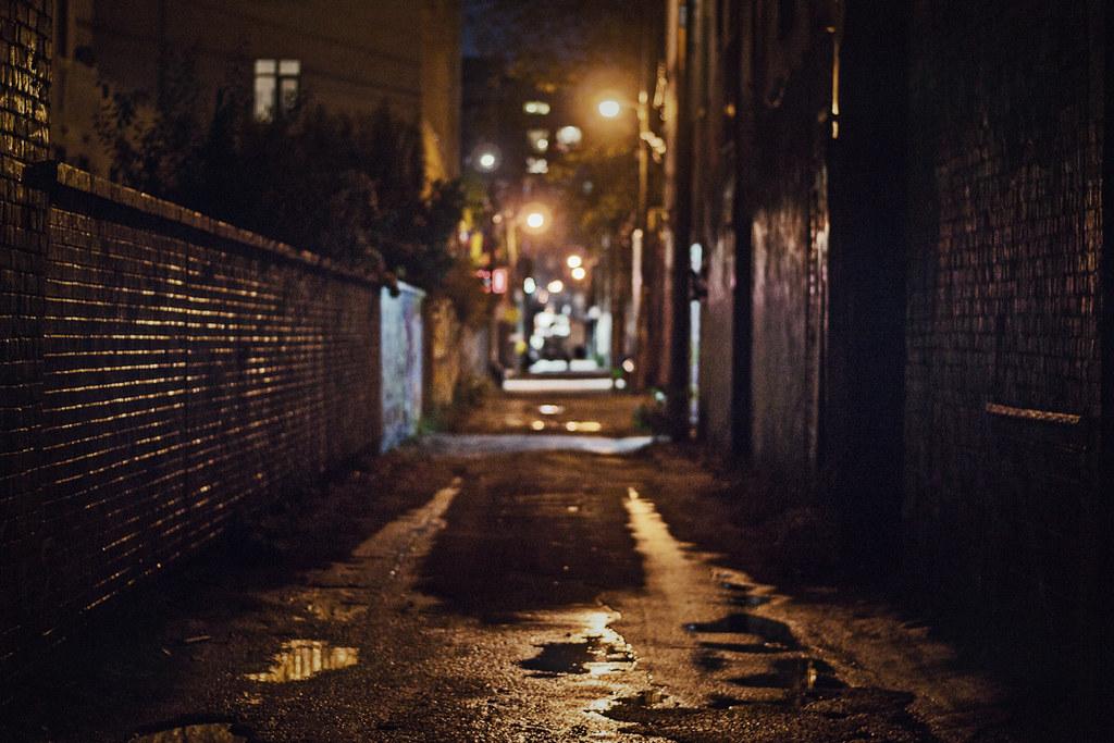 Korean Cartoon Girl Wallpaper Graffiti Alley At Night I Personally Don T Find Toronto