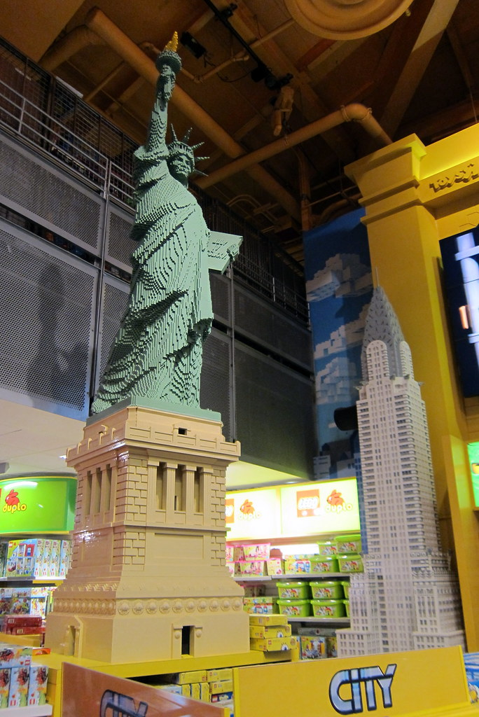 NYC  Times Square Toys R Us  LEGO Statue of Liberty a