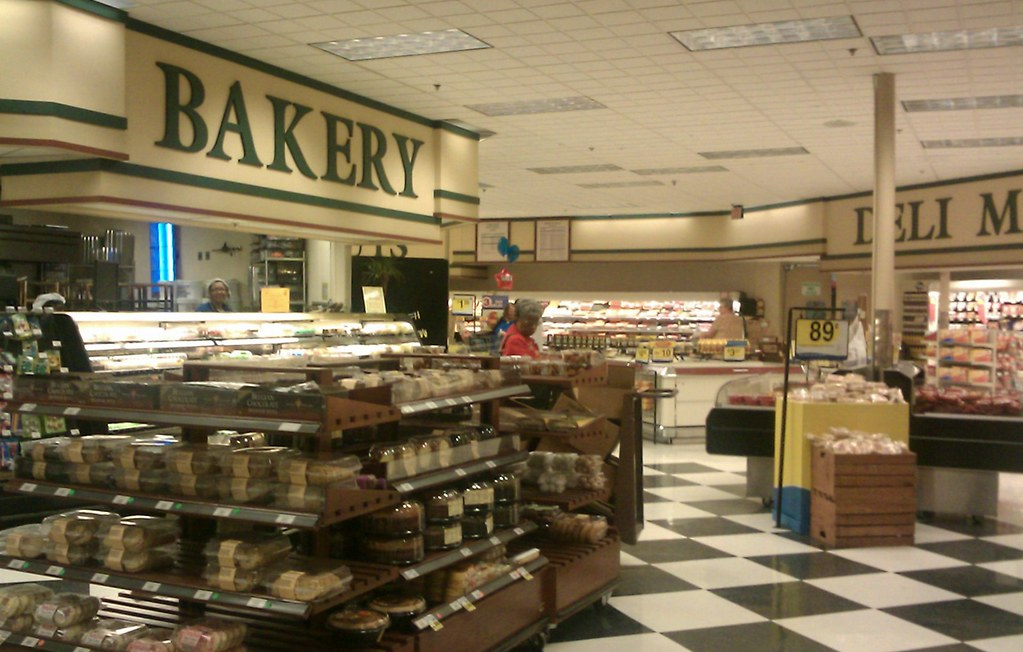 Bakery and Deli aisle looks like old neon style to me