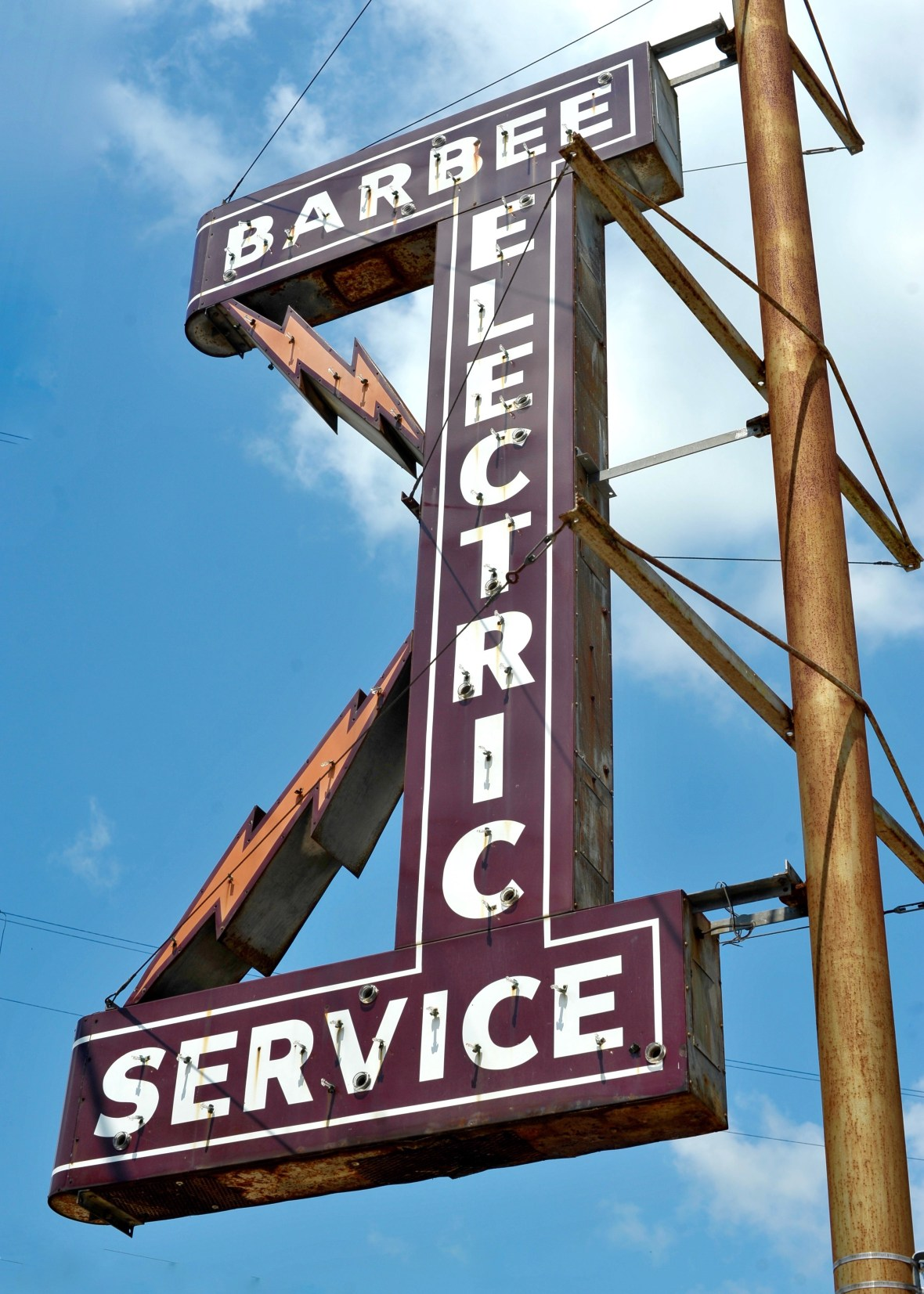 Barbee Electric Service - 401 East Caney Street, Wharton, Texas U.S.A. - September 2, 2016