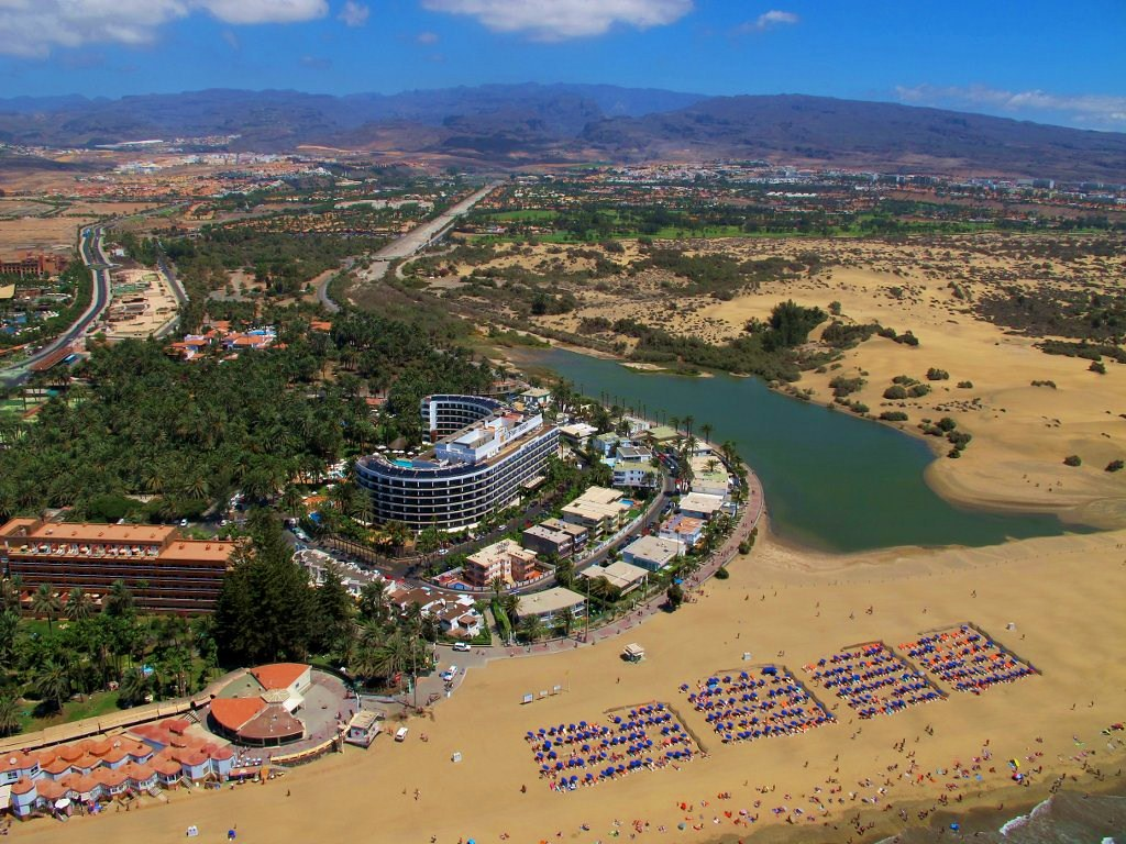 Fotos Areas de la Playa de Maspalmas con la charcaLa C