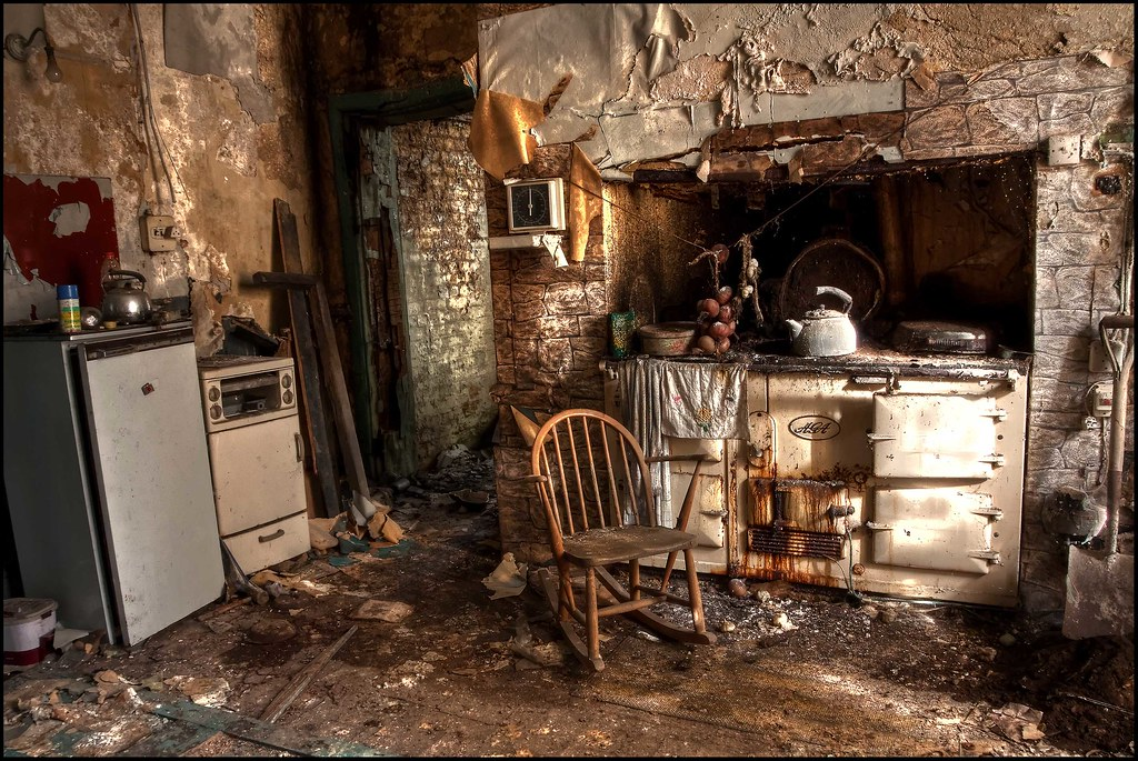 The Crusty Kitchen  The Kitchen Range Cooker  A rusty