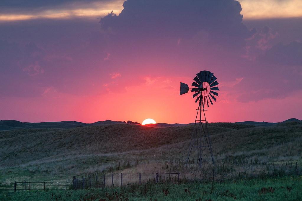 Fall Hills Wallpaper Windmill At Sunset Valentine Nebraska Going Through