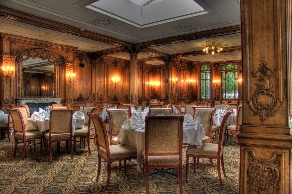 RMS Olympic Lounge in the Swan Hotel Alnwick  Titanic