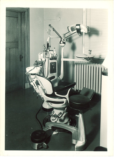 Dental chair and equipment The University of Iowa 1950