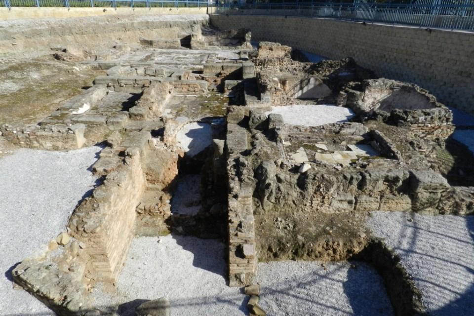 Restos arqueologicos termas romanas en Fuengirola Malaga 01