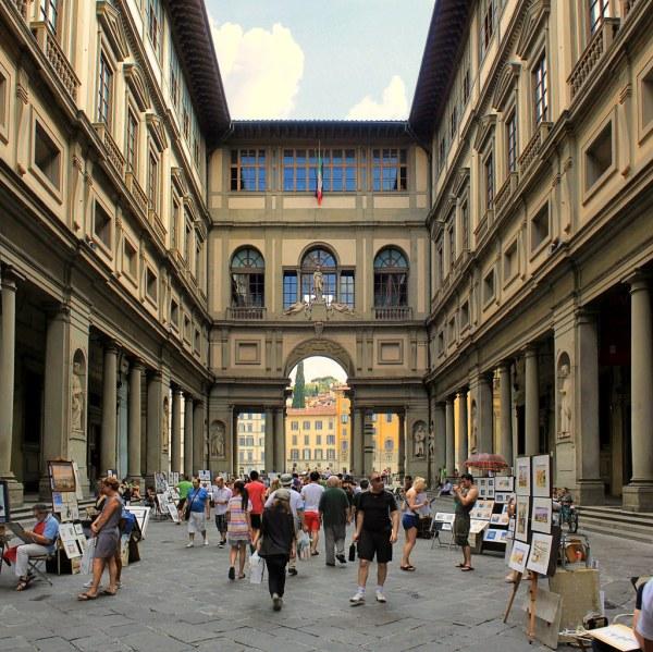 Uffizi Palace Street Performers Entertain Visit