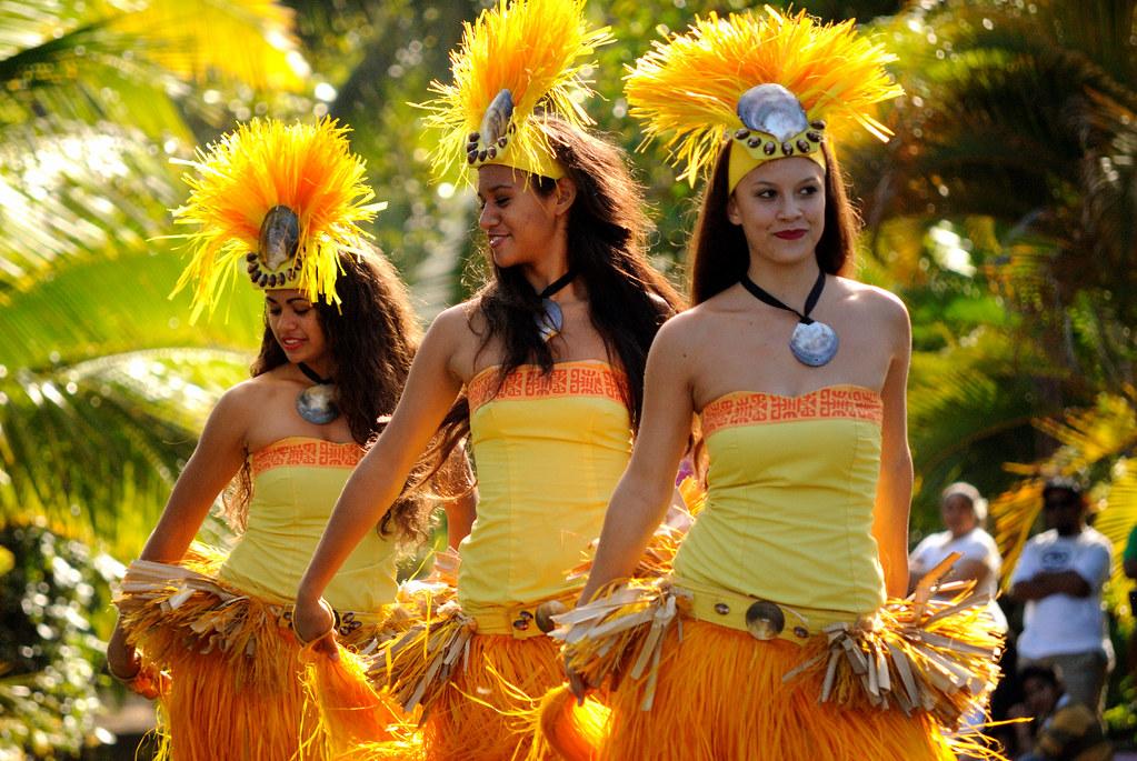 Polynesian Cultural Center  Canoe Pageant  Tahiti