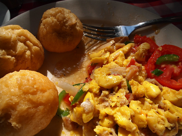 ackee and saltfish, best jamaican dishes, things to eat in Jamaica