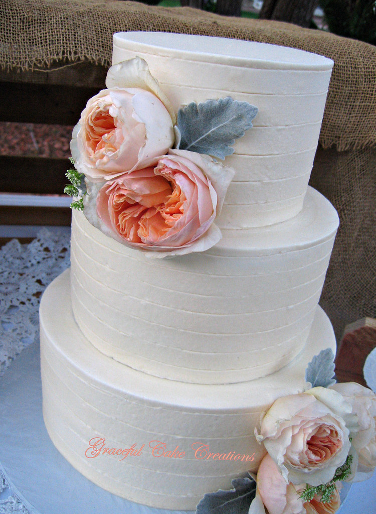 Simple and Elegant Rustic Wedding Cake With Cabbage Roses