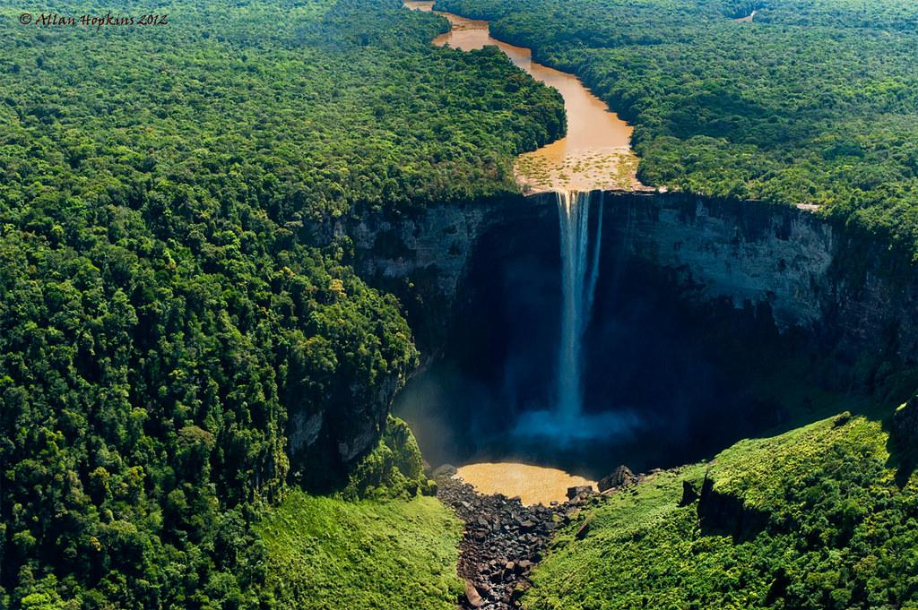 Guyana Wallpaper Kaieteur Falls Kaieteur Falls From The Air The Potaro River Suddenly