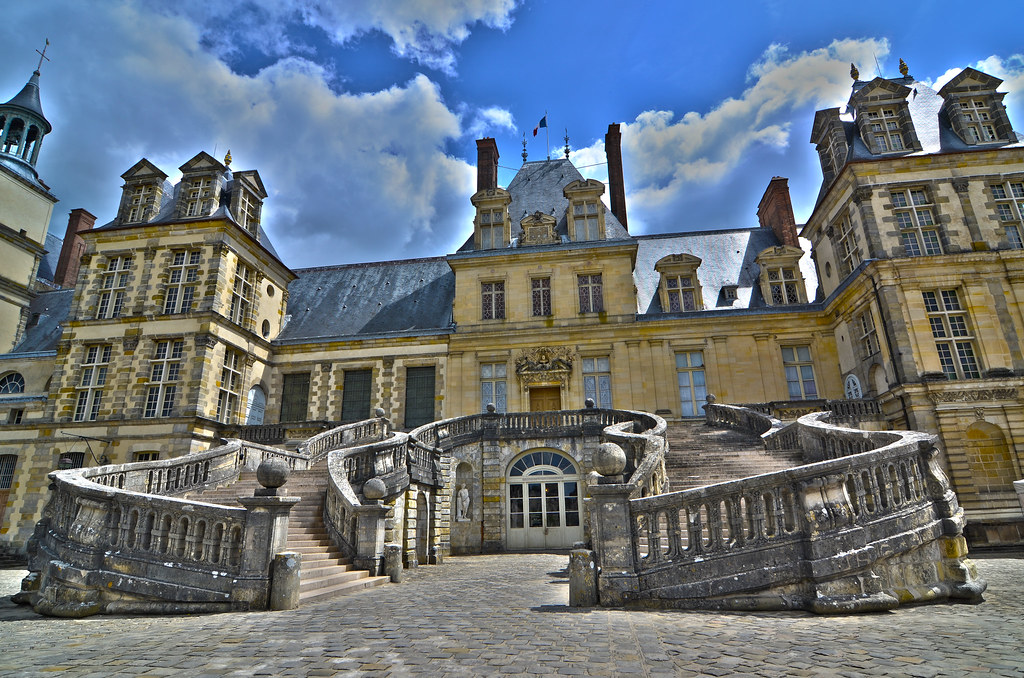 The Palace Of Fontainebleau France The Chateau De Fonta Flickr