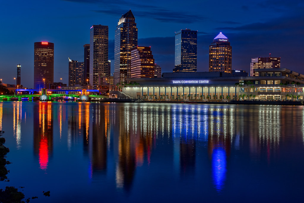 Downtown Tampa Wide  Agua Luces  Downtown Tampa Wide