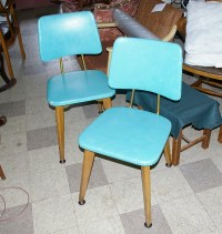 Mid-century dining chairs | Featuring blonde wood and ...