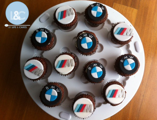 BMW M3 cupcakes  His beloved sports car logo  to eat