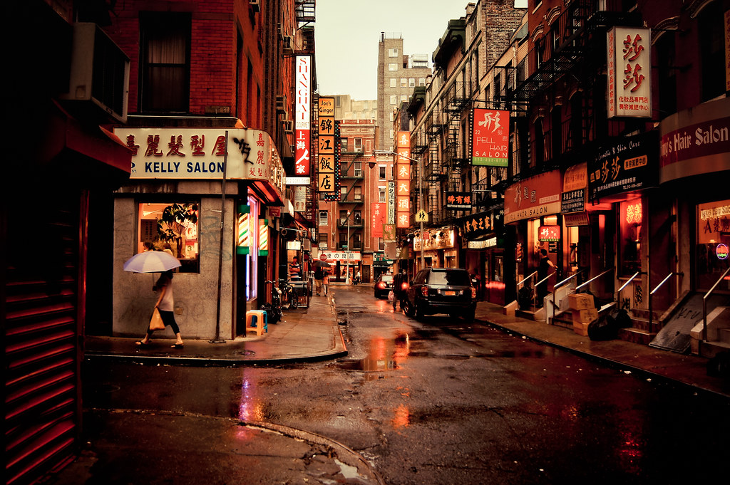 Red Hat Wallpaper Hd Rainy Afternoon On Pell Street Chinatown New York City
