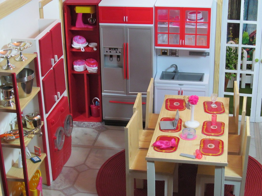 KITCHEN DOLL DIORAMA  Here is my latest doll set Im not