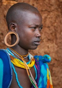 Suri woman with big ear rings, Kibish, Ethiopia | Surma or ...