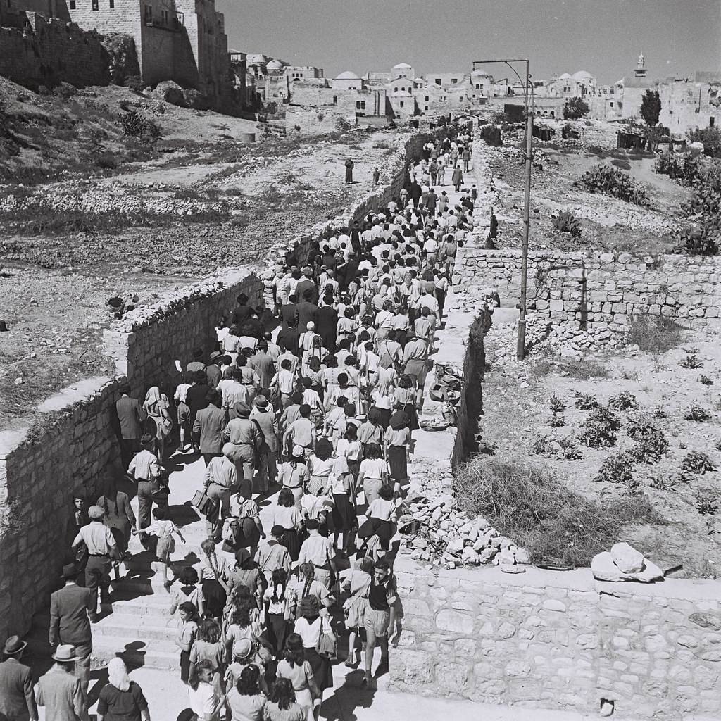 Jewish Pilgrims Jewish Pilgrims On Their Way From Mount