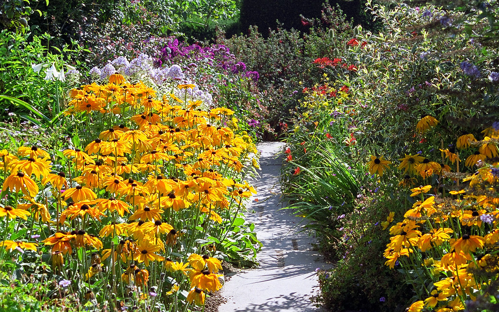 Great Dixter Gardens Sussex England 21 of 23  A colou