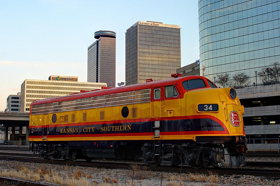 Enggine Kansas City Chevrolet Dealers Clasic. Kcs 34 Emd Fp9a At Kansas City,  Mo Engine Was Returned