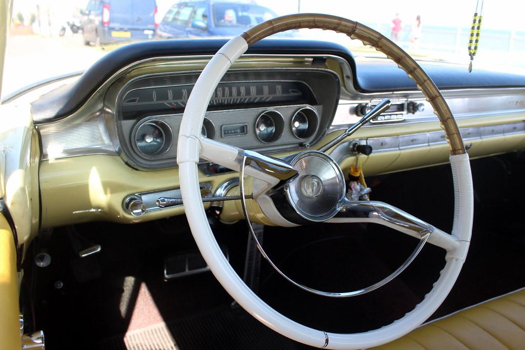 1960 Pontiac Ventura Dashboard And Steering Wheel Flickr