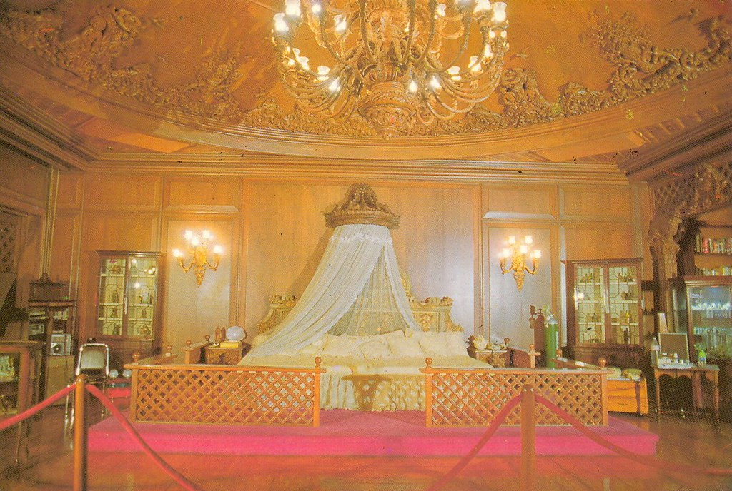 Imelda Marcos Queenly bedroom in Malacanang  photo from