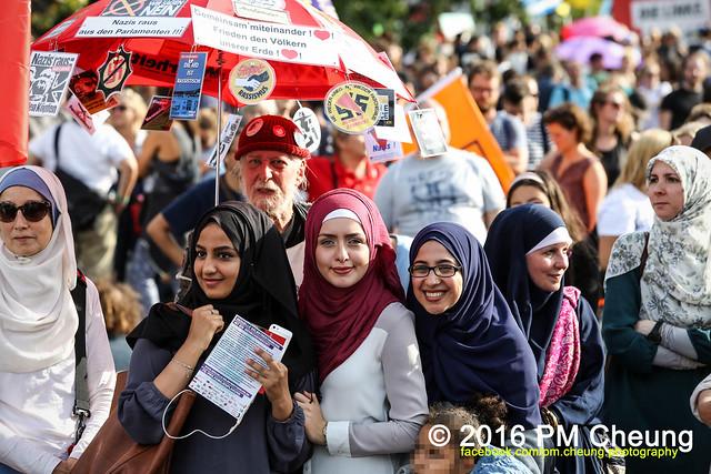 Aufstehen gegen Rassismus! Deine Stimme gegen die AfD! Unsere Alternative heißt Solidarität! - 03.09.2016 - Berlin – IMG_7681