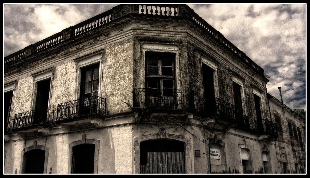 Edificios Abandonados  El tiempo a dejado muchos de estos e  Flickr
