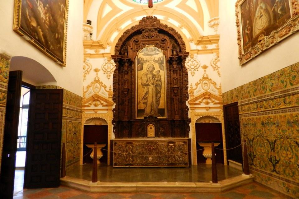 altar de Capilla Palacio Gotico Real Alcazar Sevilla 02