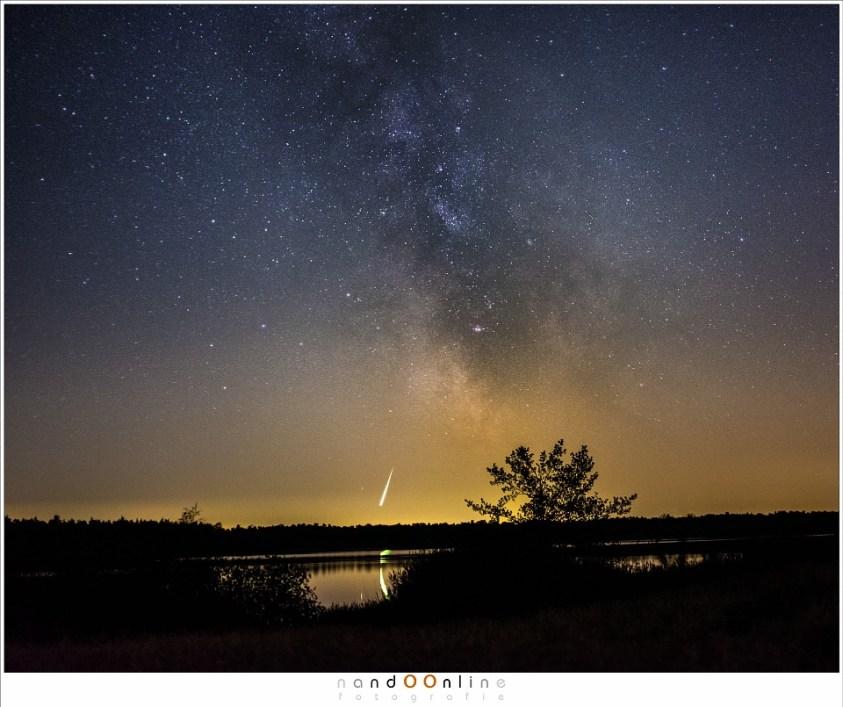 Een hele heldere meteoor (bolide) in de week voorafgaand aan het maximum. (Fujifilm X100t - ISO6400 - f/2,0 - t=4sec)