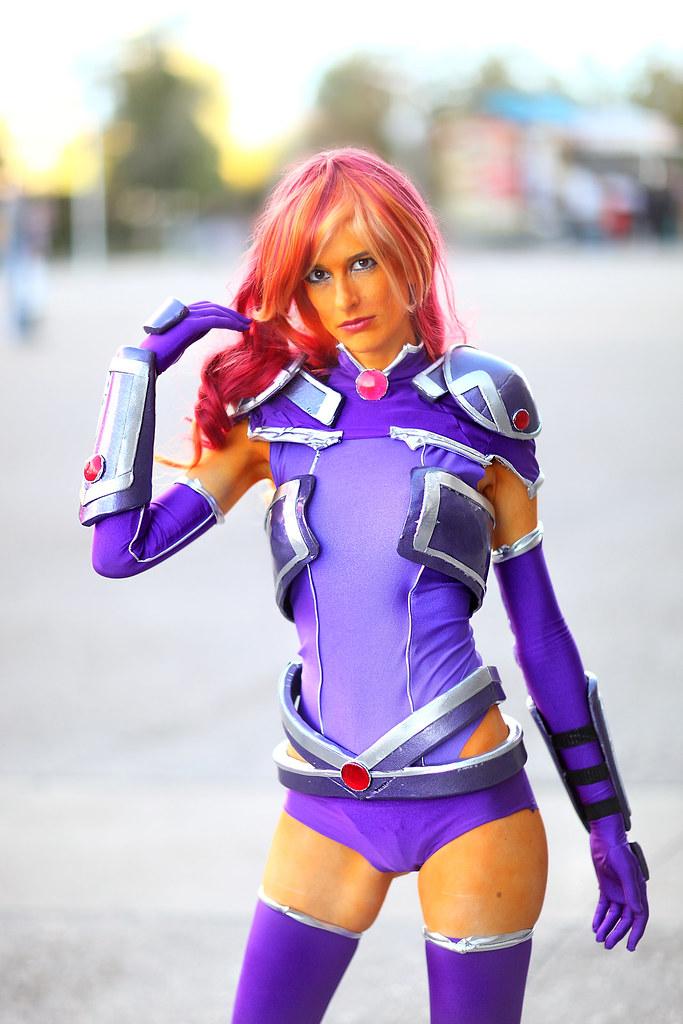 Firelight Cosplay As Starfire 2014 Phoenix Comicon Fan Fes