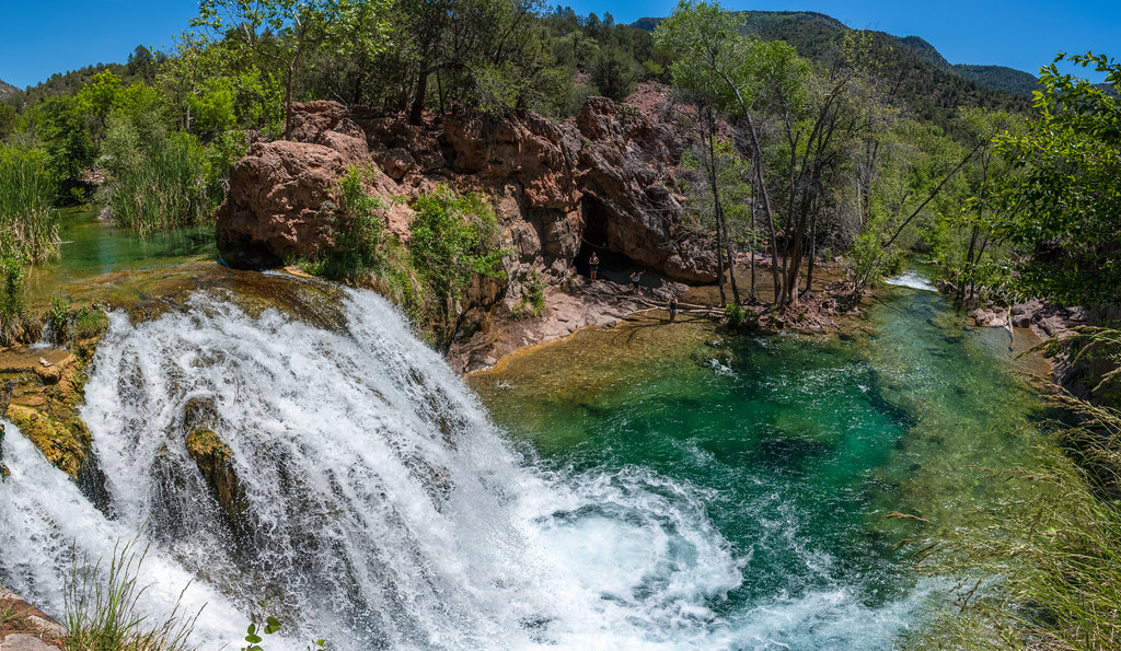 Free 3d Fall Wallpaper Waterfall Trail On Fossil Creek A Large Natural
