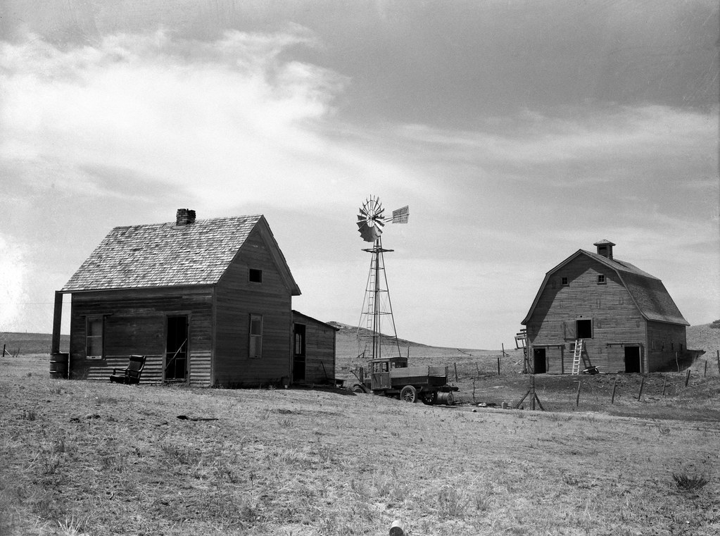Rothstein, Arthur, photographer. Typical farm in drought area. Beach, North Dakota. July, 1936.