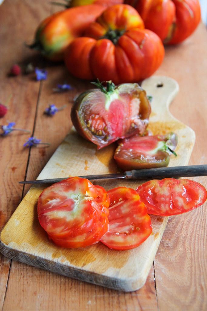 Salade de tomates, pastèque et framboises
