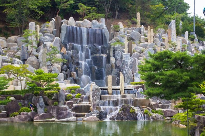 攝理教自然聖殿月明洞