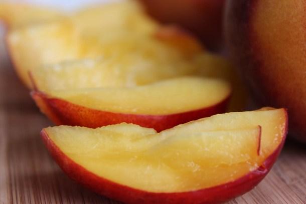 Peach and Nectarine Buying Guide