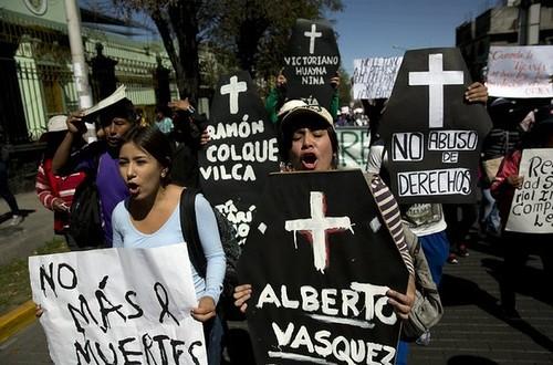Bloqueos en sur de Perú en día dos de huelga contra Grupo México