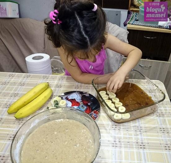 plăcintă cu banane