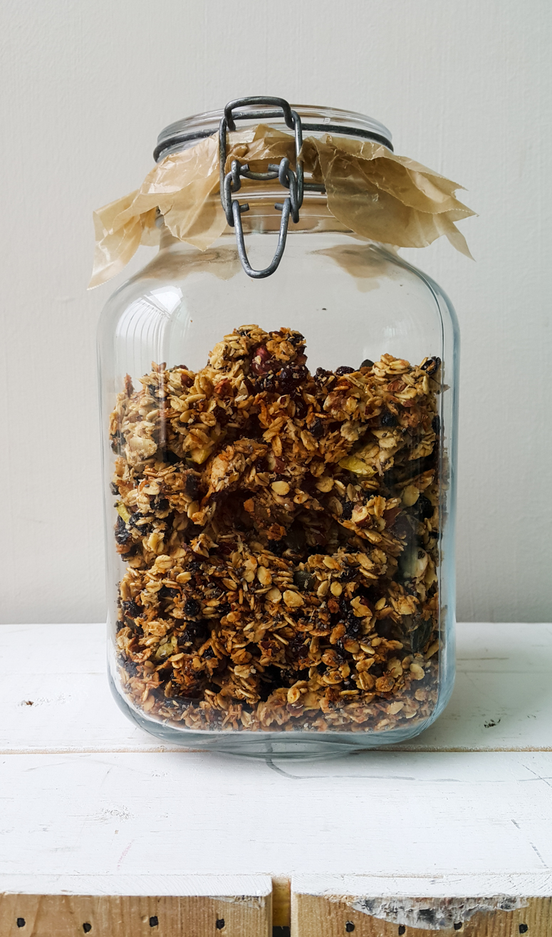 HOMEMADE GRANOLA WITH COCONUT OIL + MAPLE SYRUP