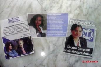 Volantes en contra de la candidata Sonia Mendoza