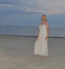 Barefoot Beach In Gorgeous Dress Lot Of