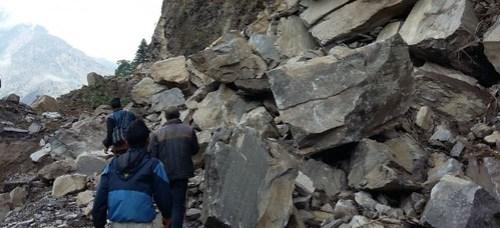 Van 8 mil 604 muertos por terremotos en Nepal