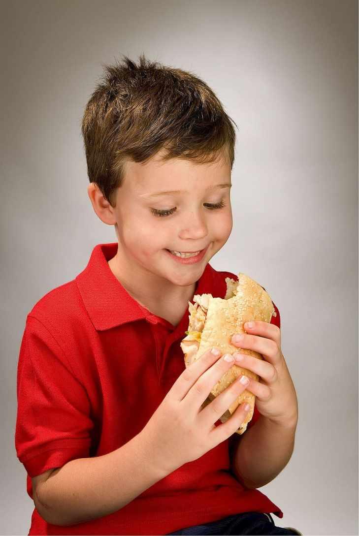 boy holding a sandwich, child, eating, hoagie, grinder, blimpie, HD wallpaper