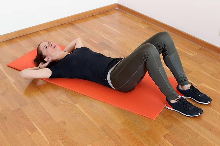 woman lying on orange yoga mat, weight loss, crunch, workout, HD wallpaper